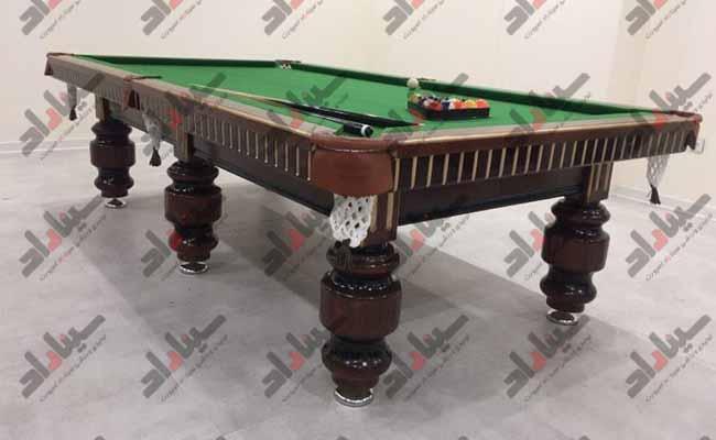 میز بیلیارد بزرگ